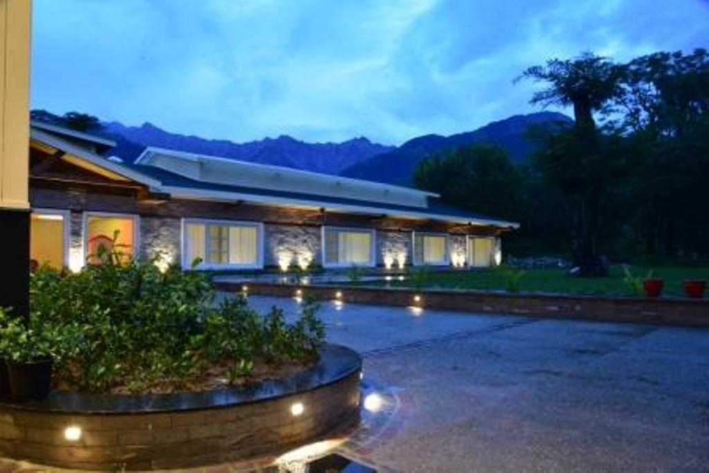 Infinitea Tea Garden Resort, Kangra
