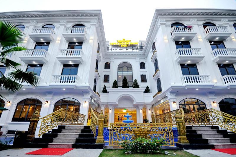 Khách Sạn Crown Nguyên Hoàng