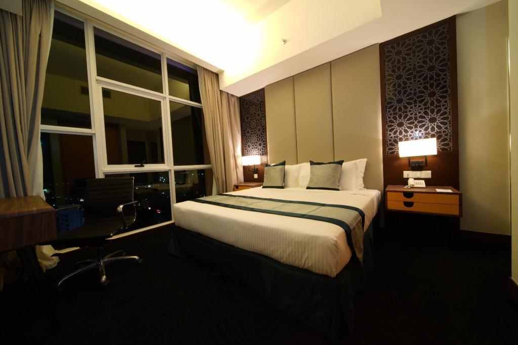 Executive Suite Hotel Paya Bunga
