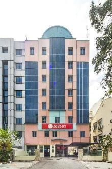RedDoorz Hotel @ Aljunied (SG Clean Certified)