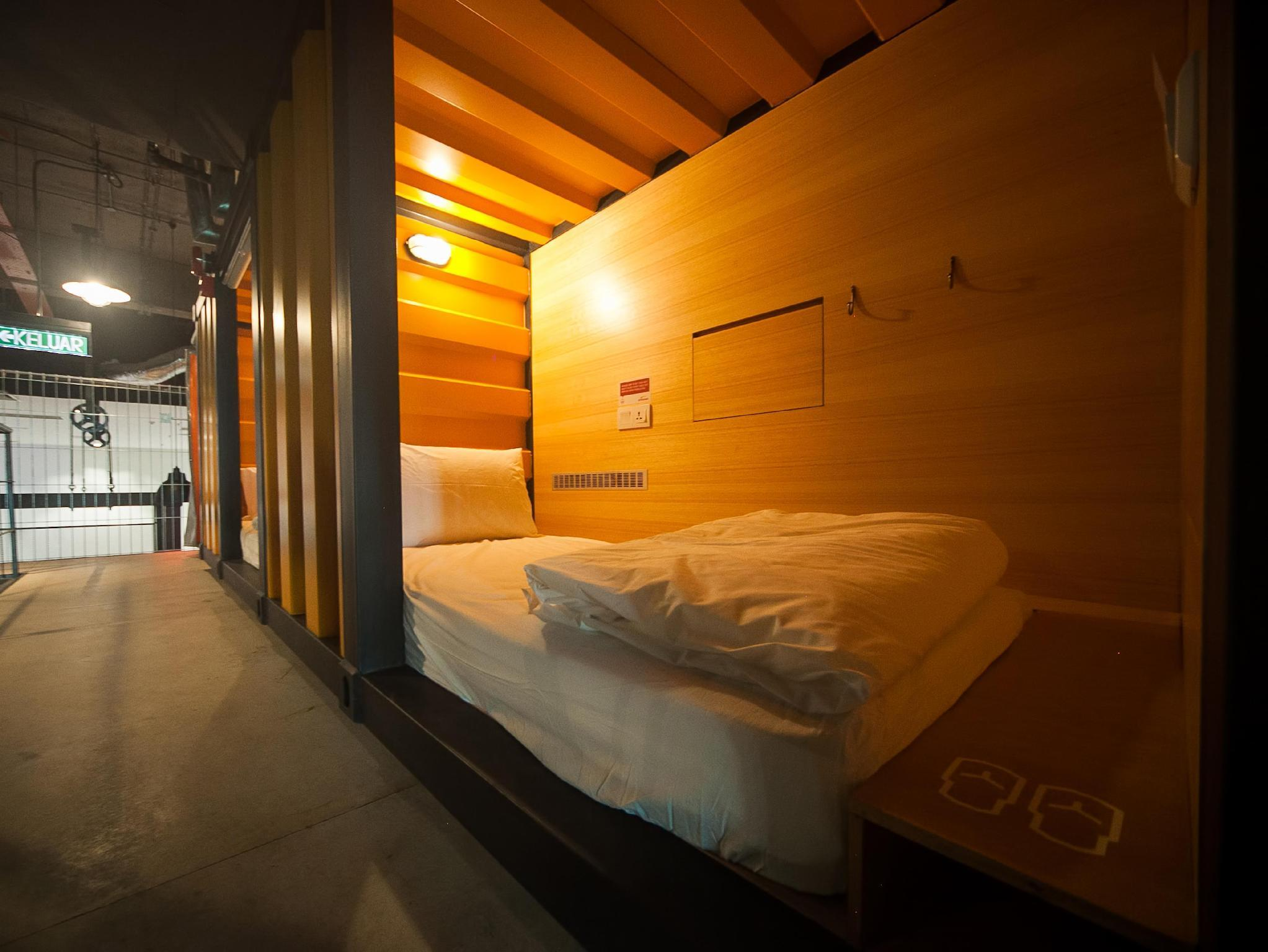 Best Price on Capsule by Container Hotel in Kuala Lumpur + Reviews!