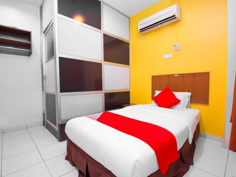 OYO 582 Hotel Walk Inn
