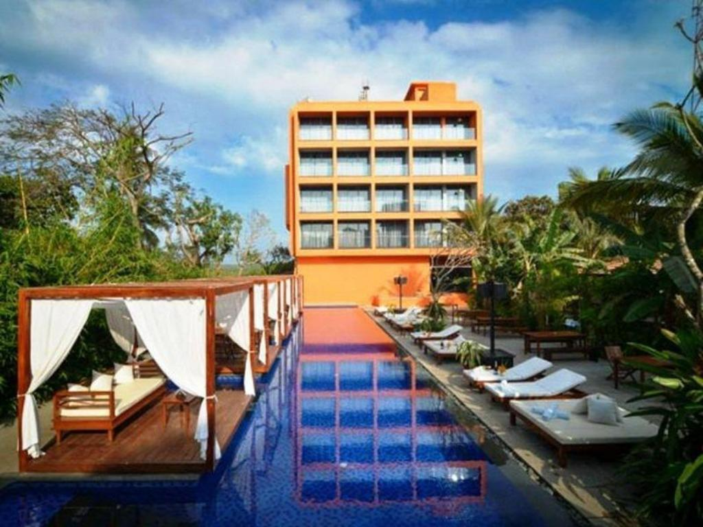 Best Price On Sinq The Party Hotel In Goa Reviews