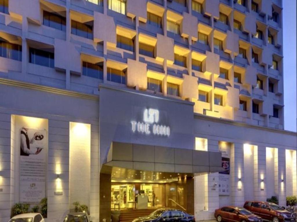 Best Price on Hotel Hindustan International in Kolkata