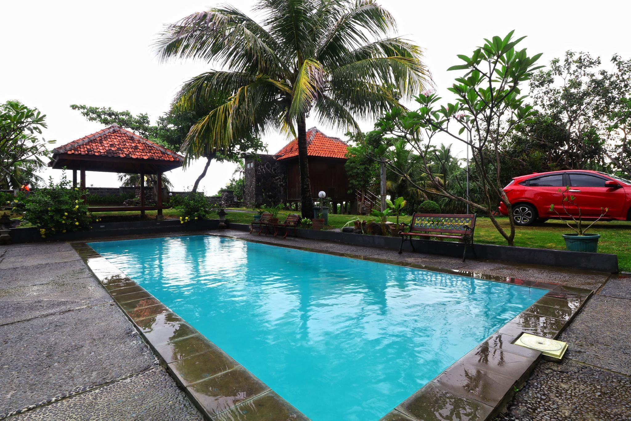 Negla Beach Villa,Caringin