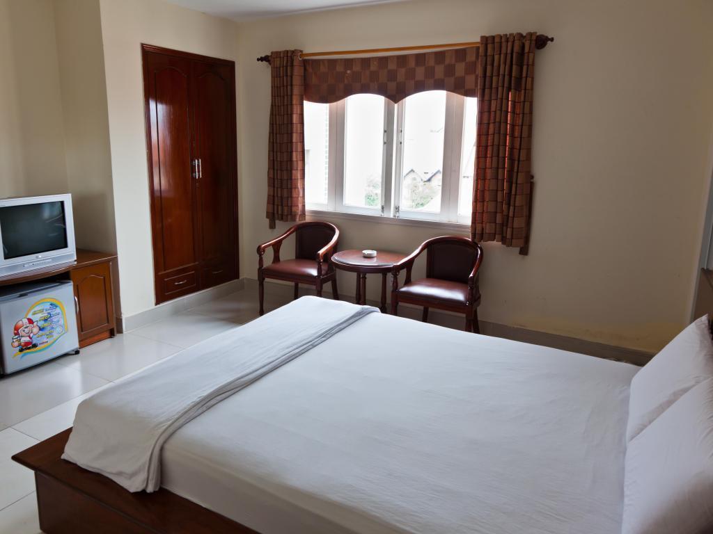 Hoang Long Son 3 Hotel HCM, Thủ Đức