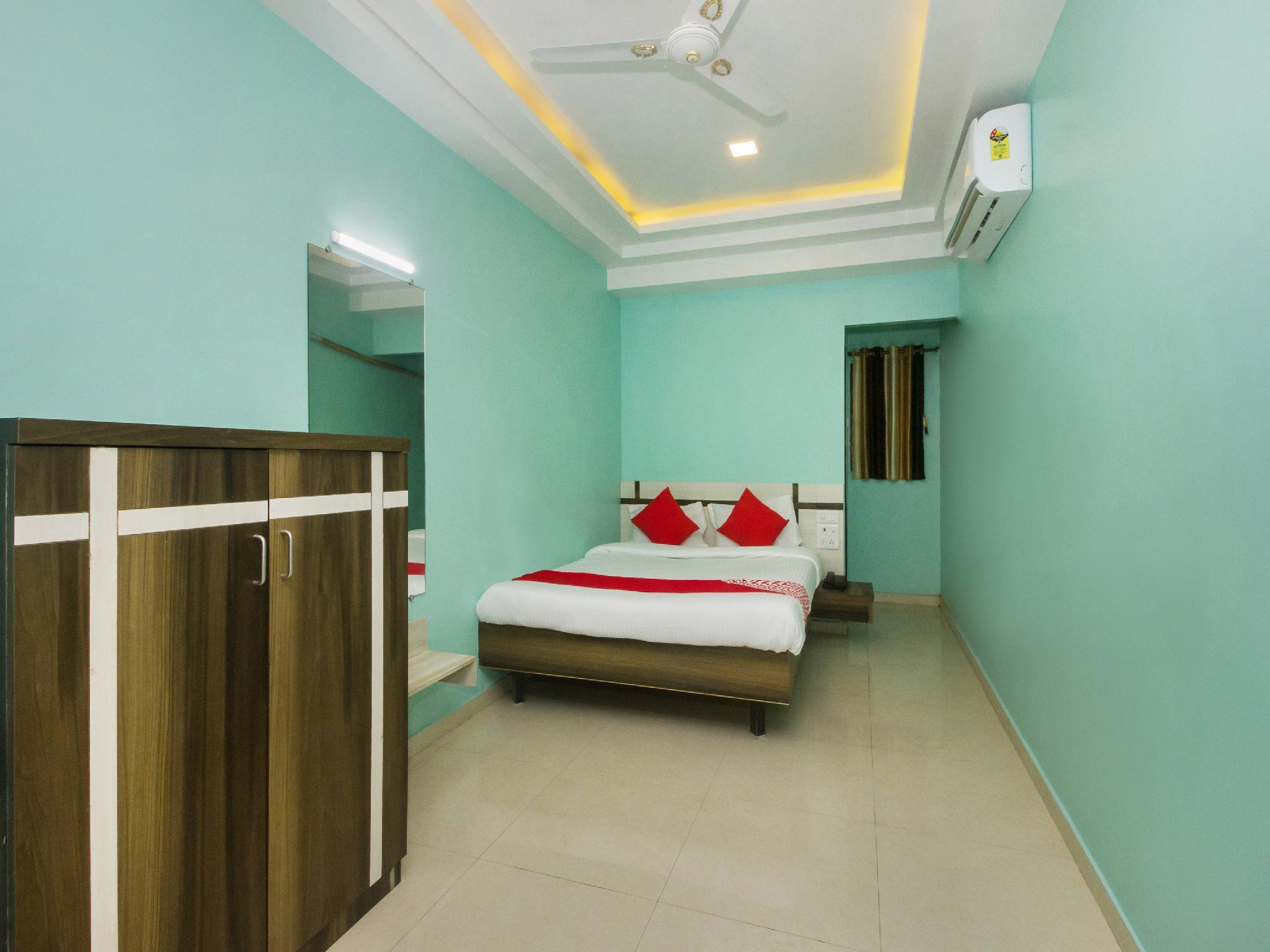 OYO 22918 Hotel Sadanand Mourya Lodging And Boarding, Palghar