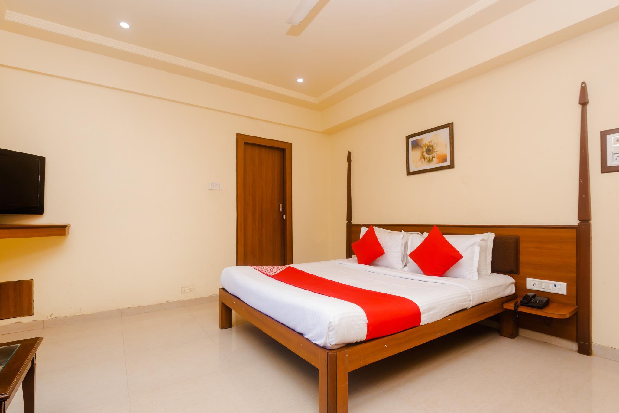OYO 10382 Hotel Saffron Suites, Palghar