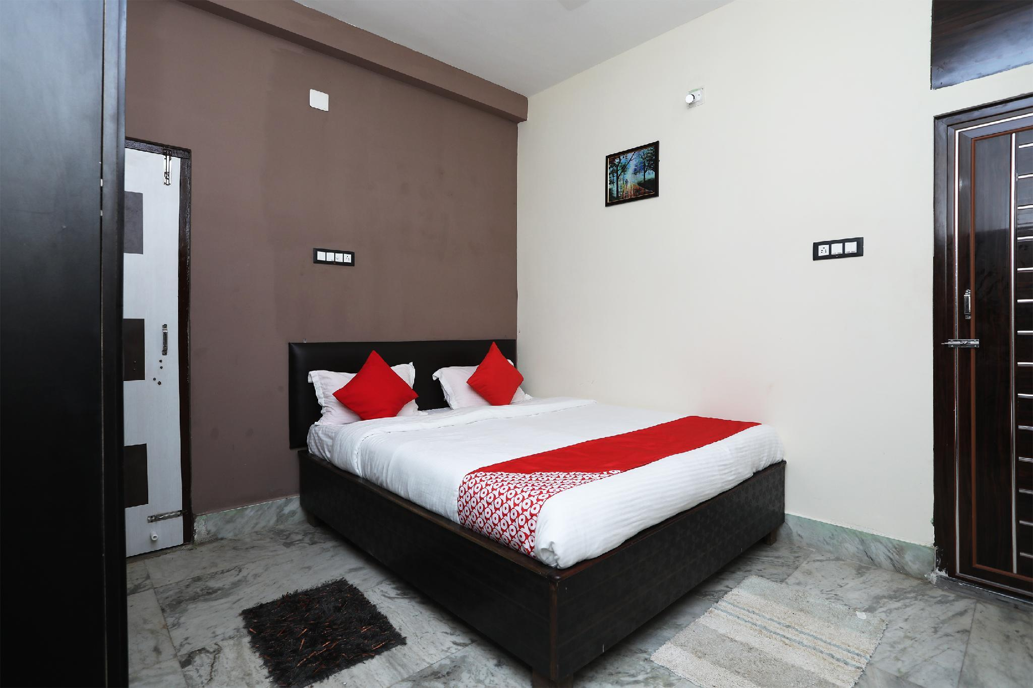 OYO 14505 Regal Stays, Cuttack