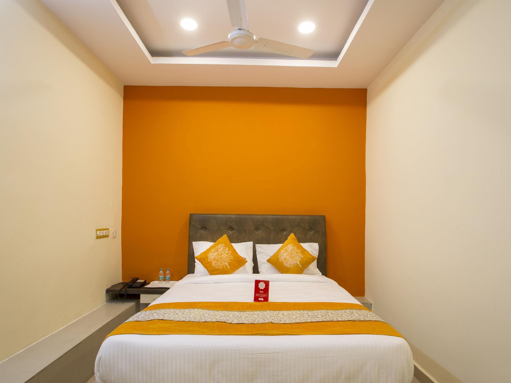 OYO 3968 Chandras Residency, Ranga Reddy