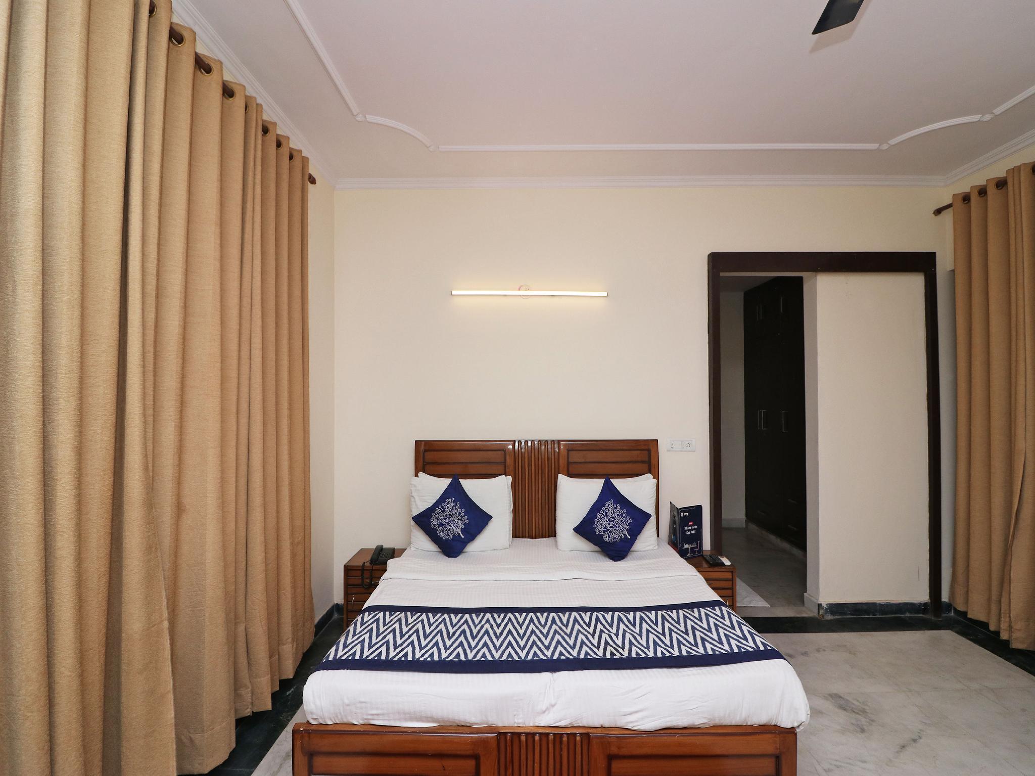 OYO 15202 Kanny Residency, Gautam Buddha Nagar