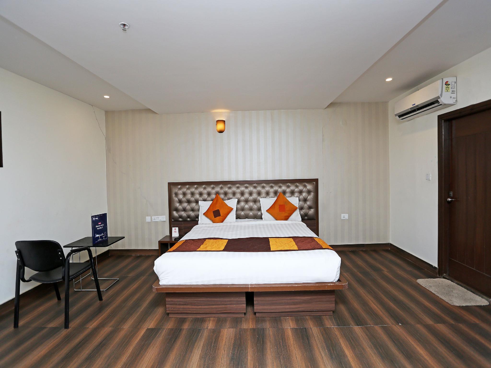 OYO 897 Hotel Surabhi Elite, Ranga Reddy