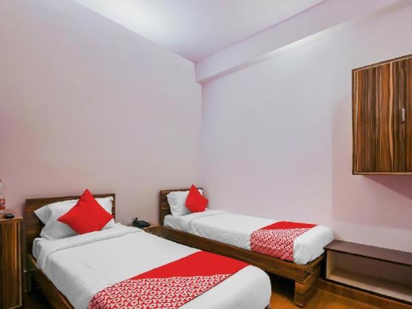 OYO 17168 Hz Lodge Hyderabad