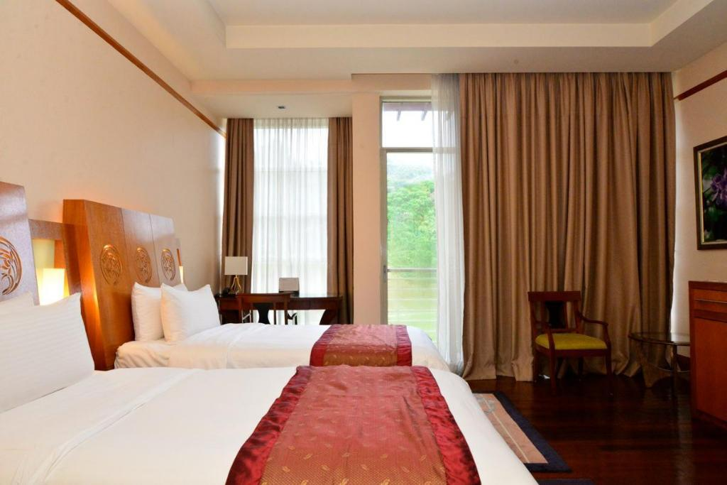 Deluxe Park View Twin Room