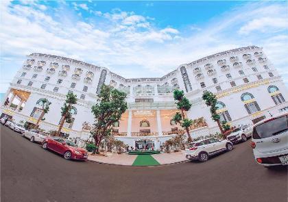 Khách Sạn và Spa Đức Huy Grand