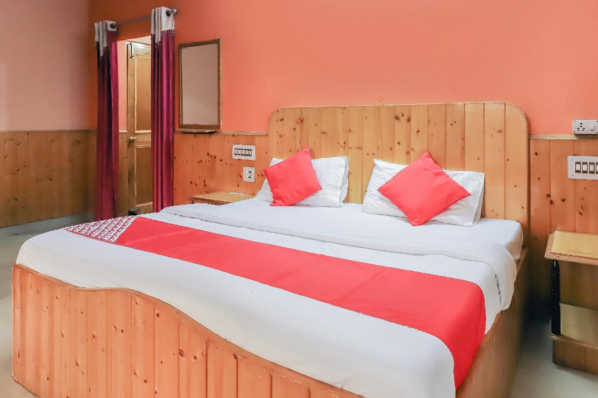 OYO 24927 Himgiri Resort, Mandi