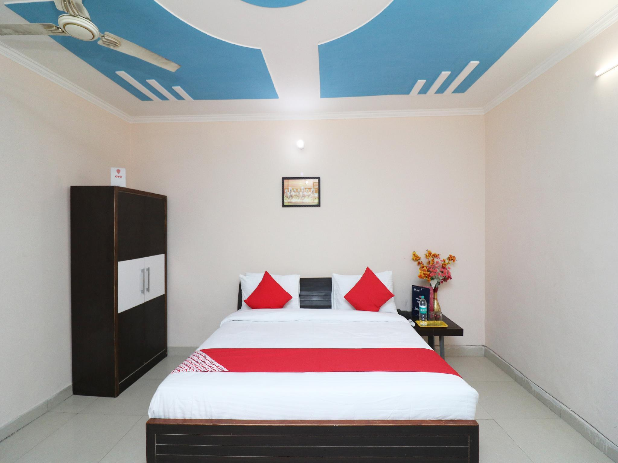 OYO 22502 Gomti Resorts, Aligarh