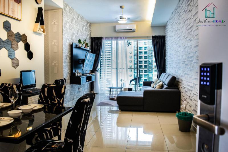 Parkland Residence Melaka@J&J Vacation Home 10pax