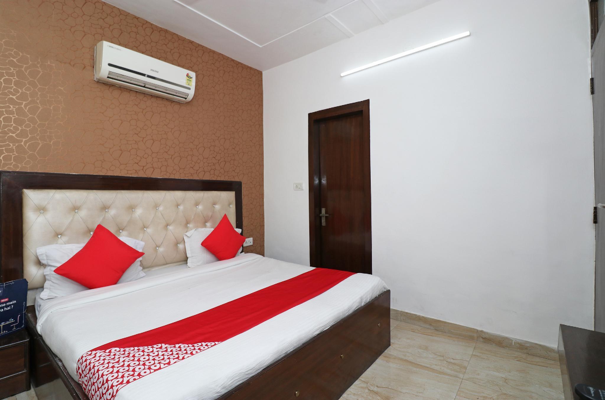 OYO 25075 Hotel Grace, Faridabad