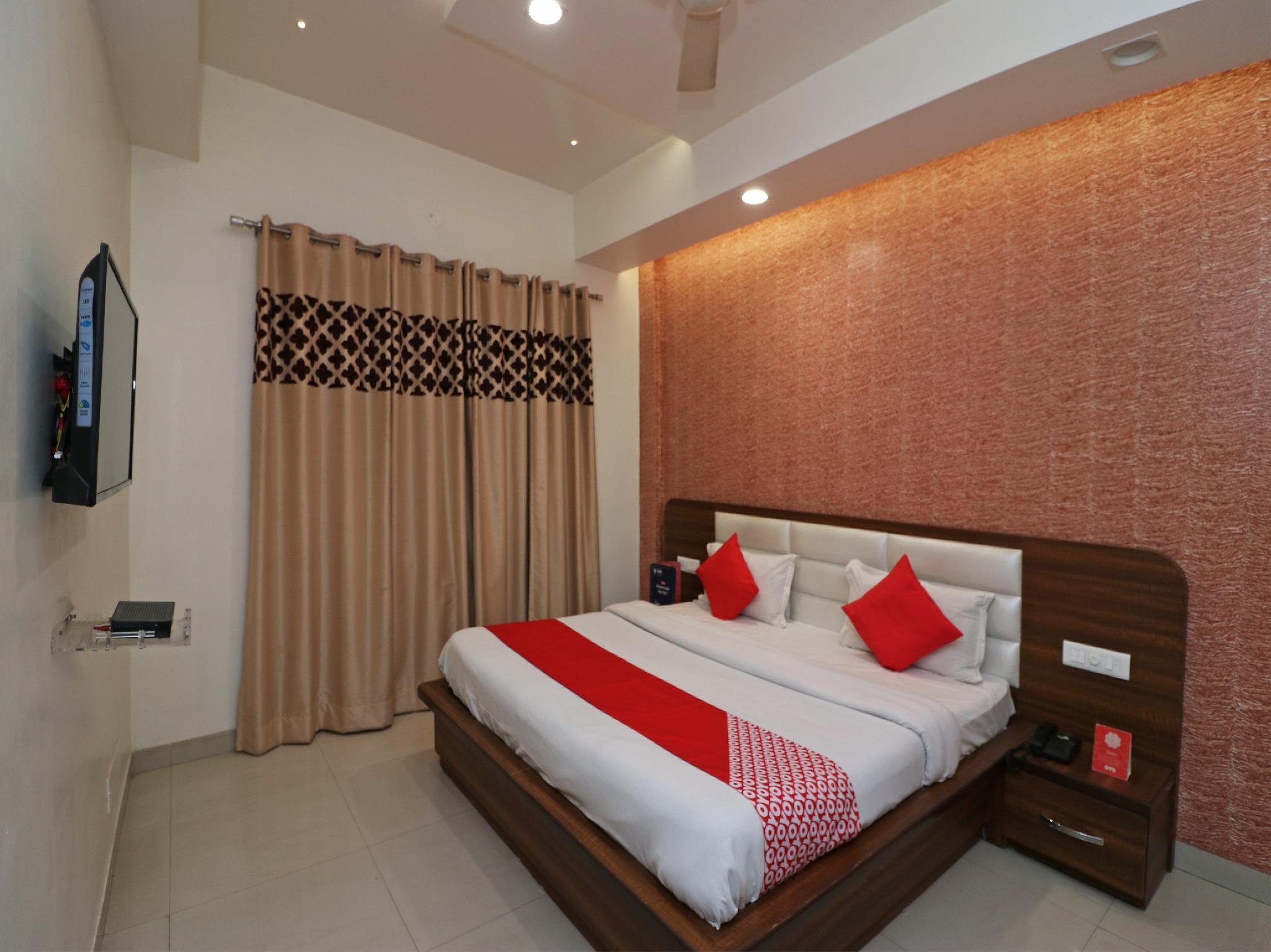 OYO 23168 Hotel G C Regency, Ambala