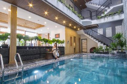 Biệt Thự Khách Sạn & Spa King House