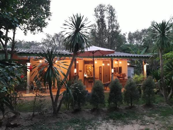 Baan Hotelier Resort Trat