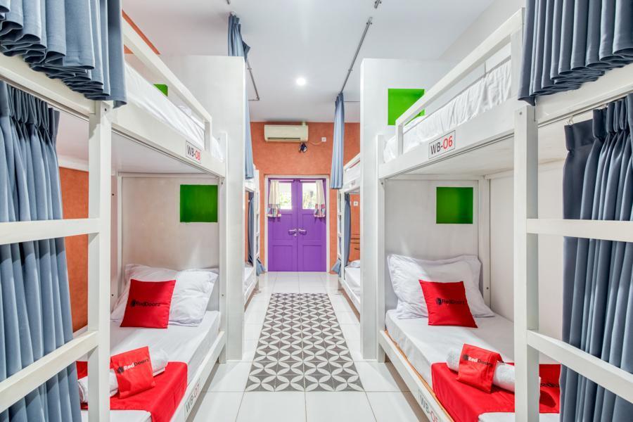 RedDoorz Hostel near Titik Nol Malioboro