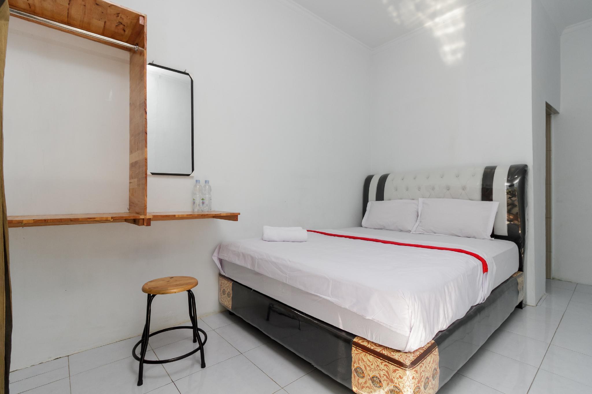 Puri Denis Guest House, Medan