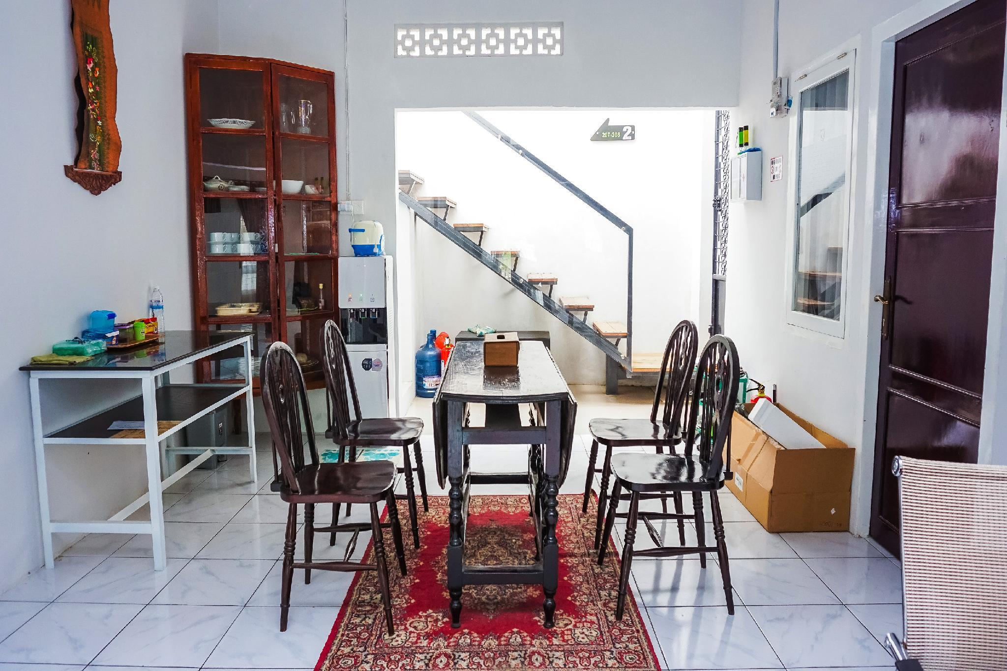 OYO 433 Nelvi Guest House Syariah