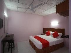 OYO 738 Hotel 81