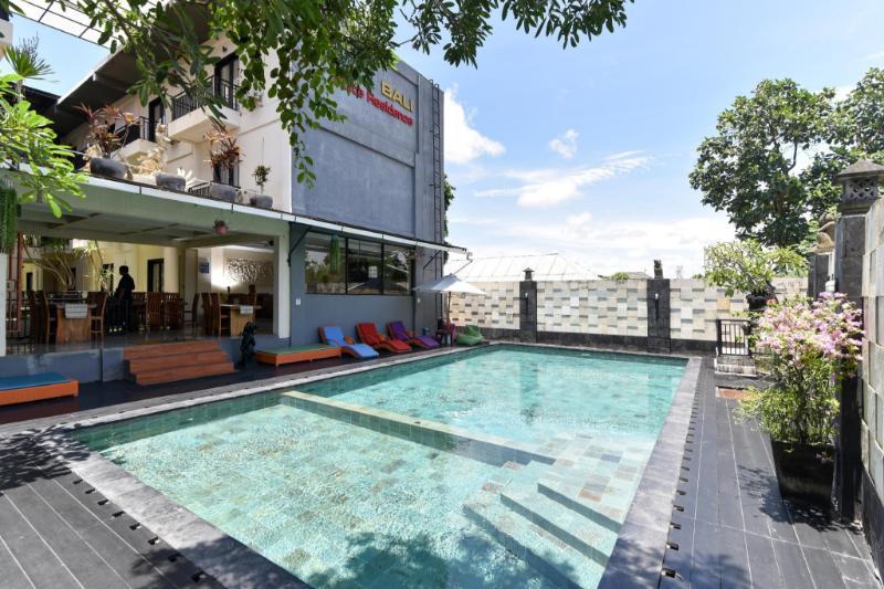 紅多茲Plus飯店-巴厘島畫廊2號商城