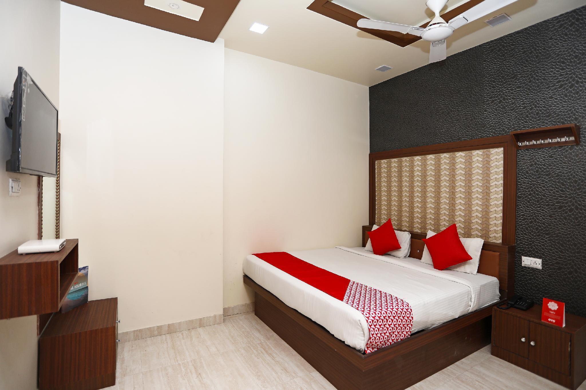 OYO 18346 Krishna Resorts, Mathura