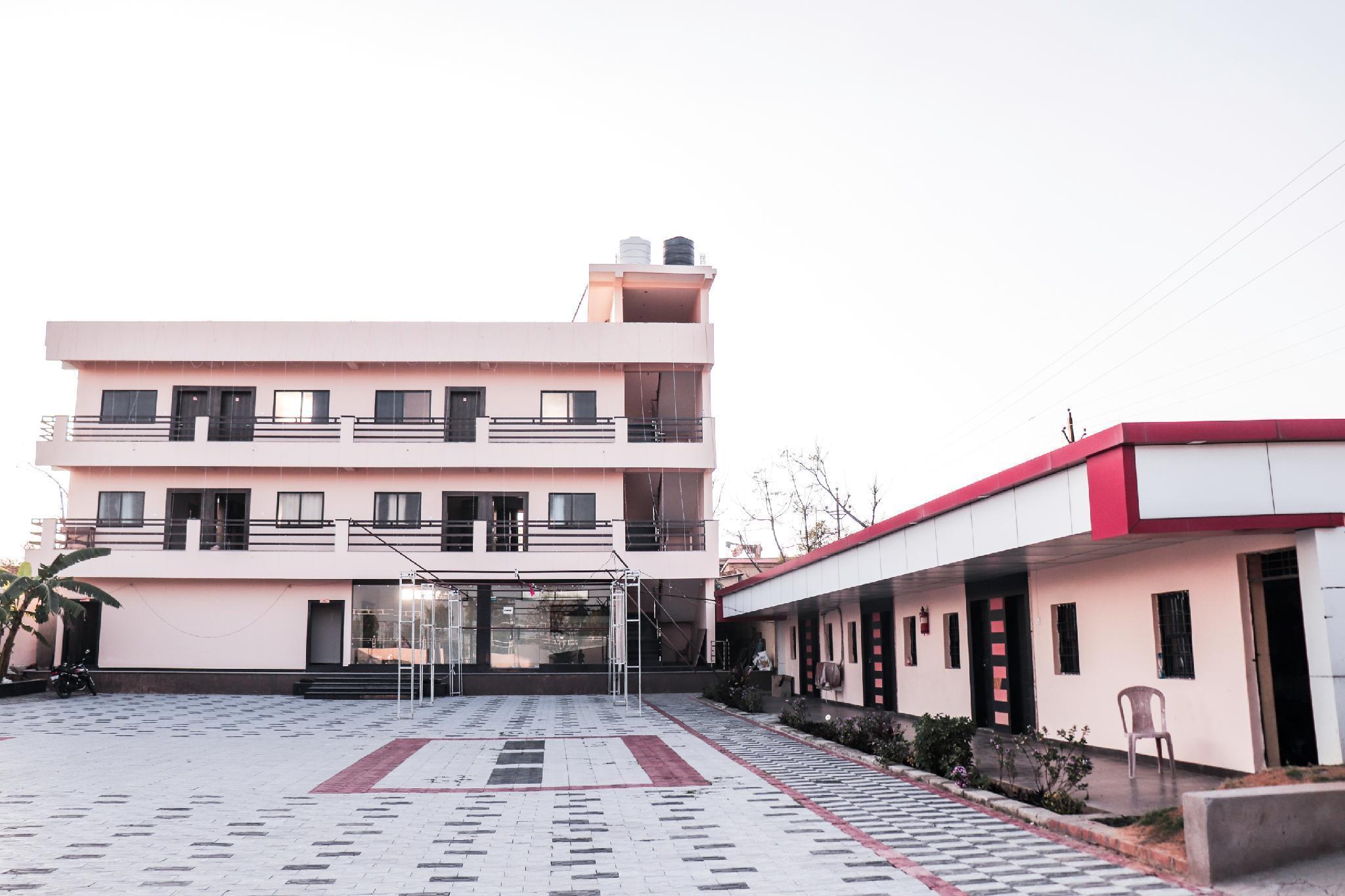 OYO 23596 Hotel Kuber Castle