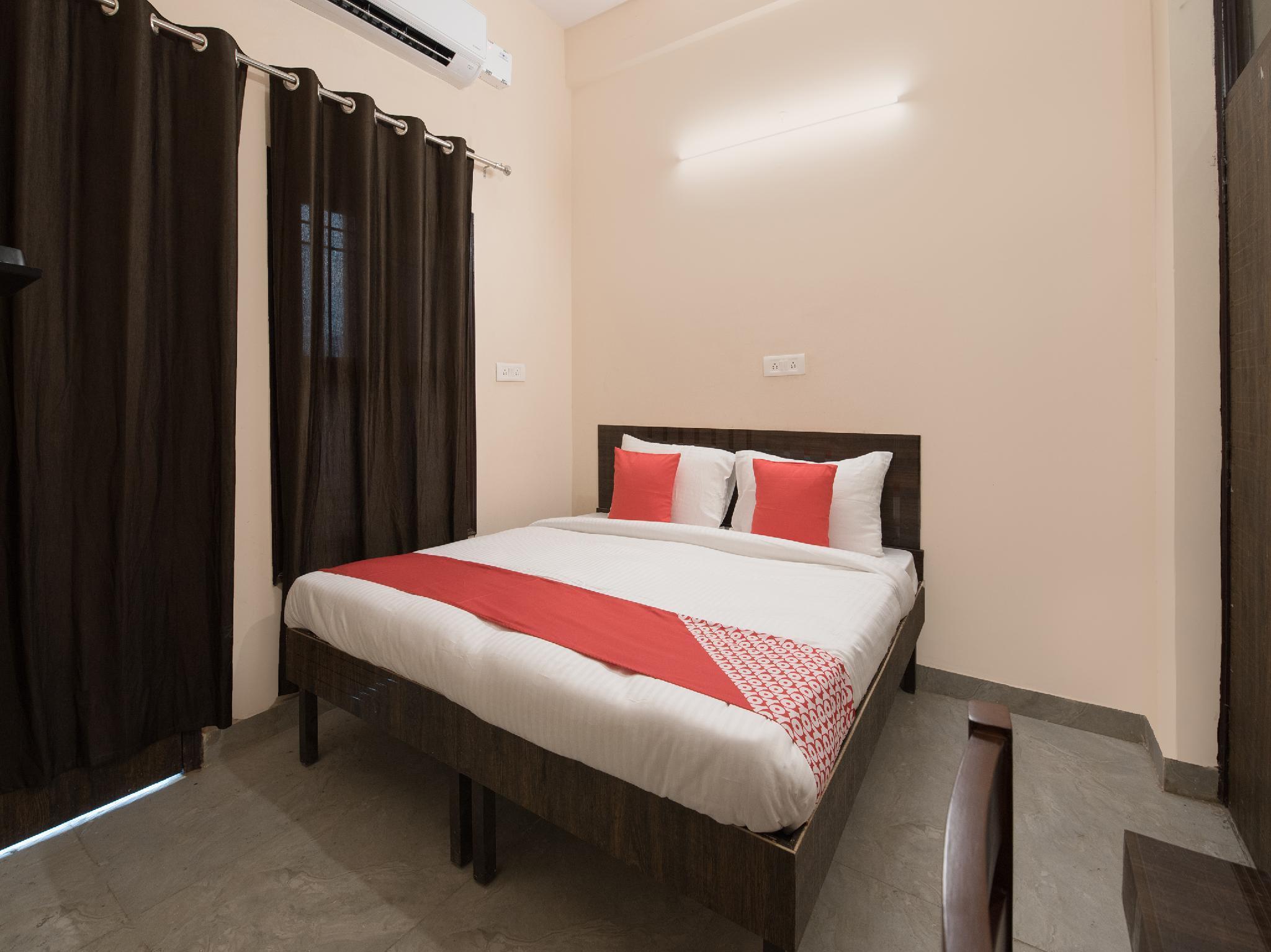 OYO 16093 Flagship Krishna Residency