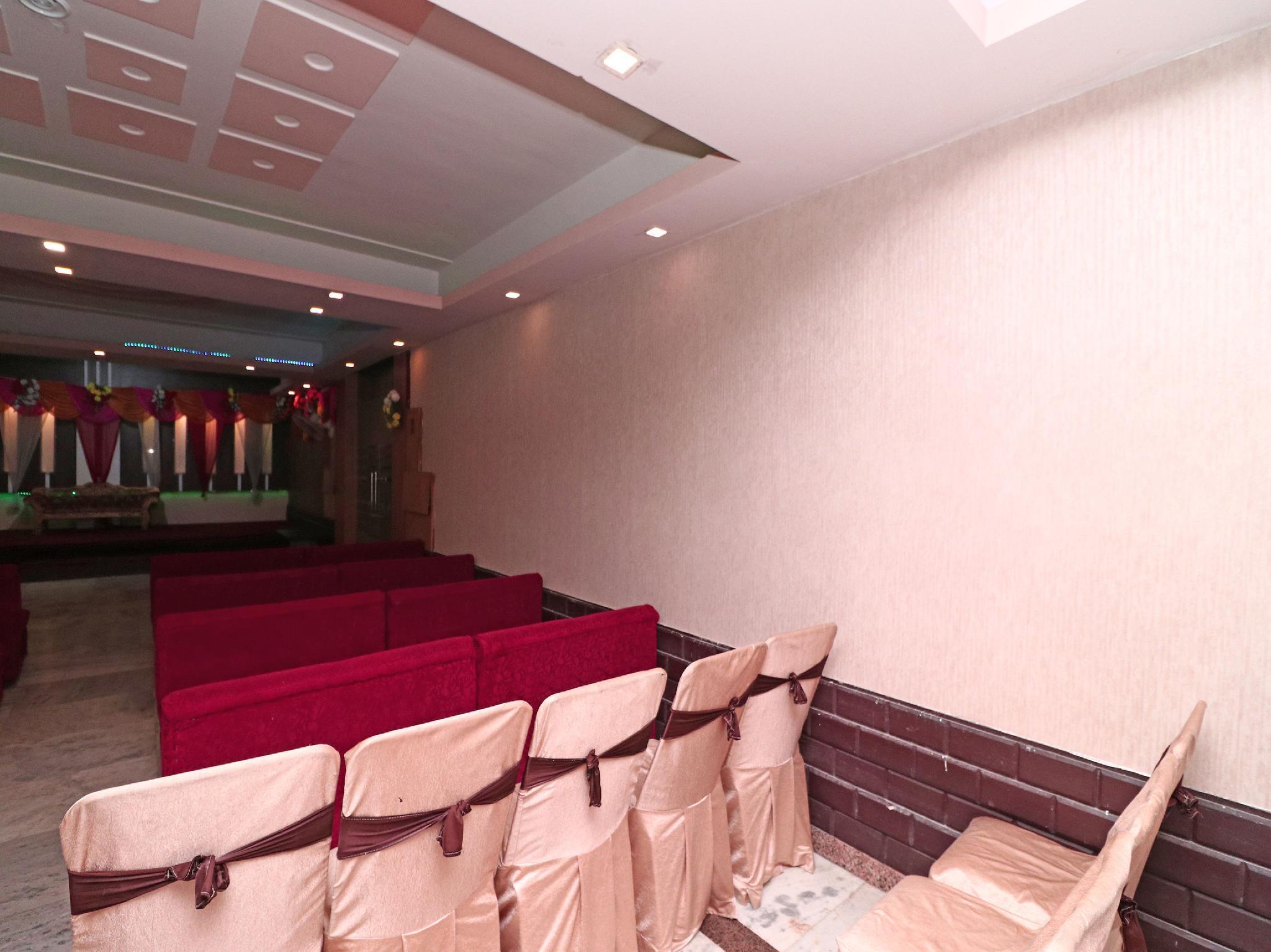 OYO 15249 Hotel Days Inn, Meerut