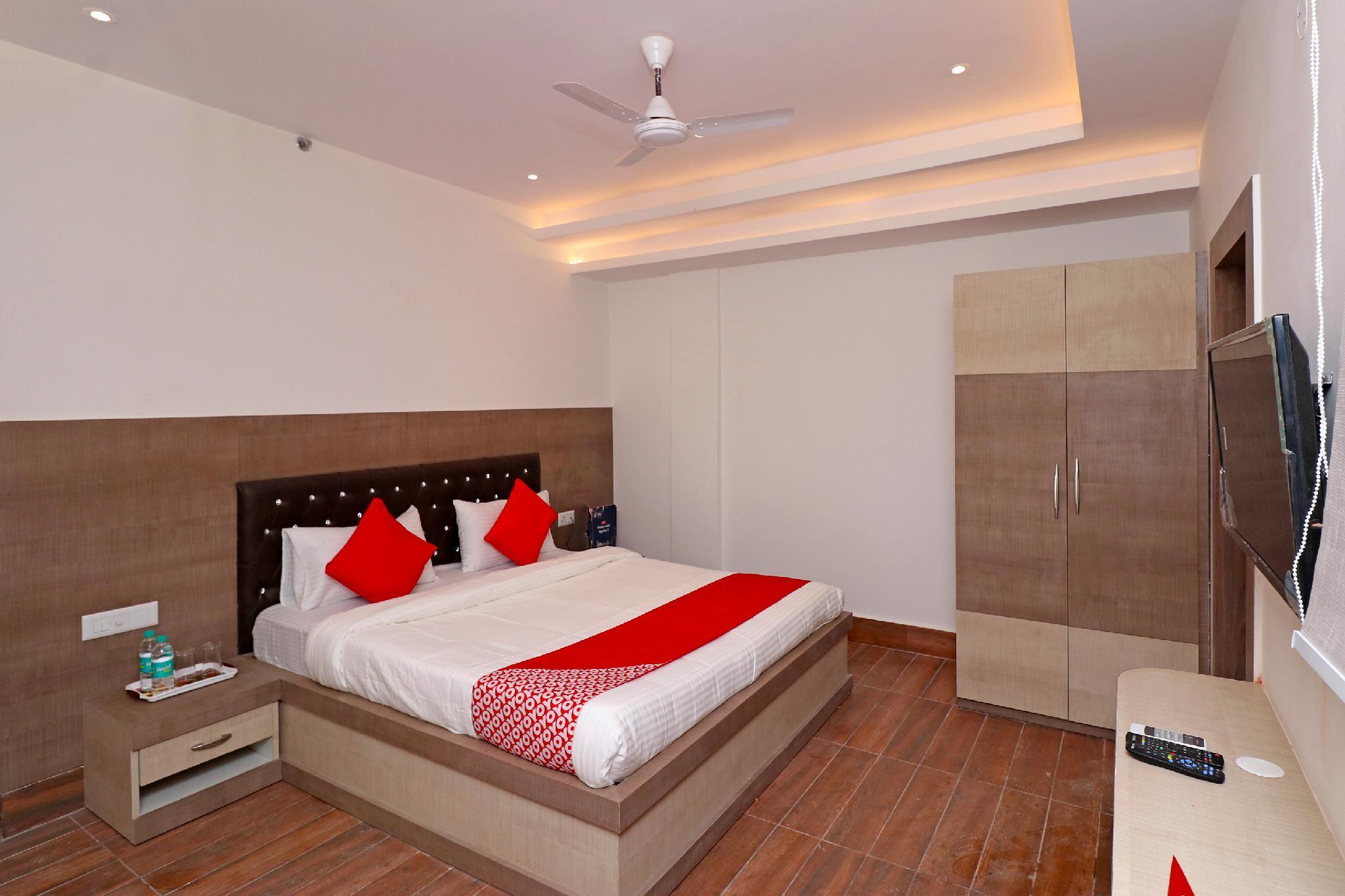 Capital O 22194 Hotel Triveni Sangam, Allahabad