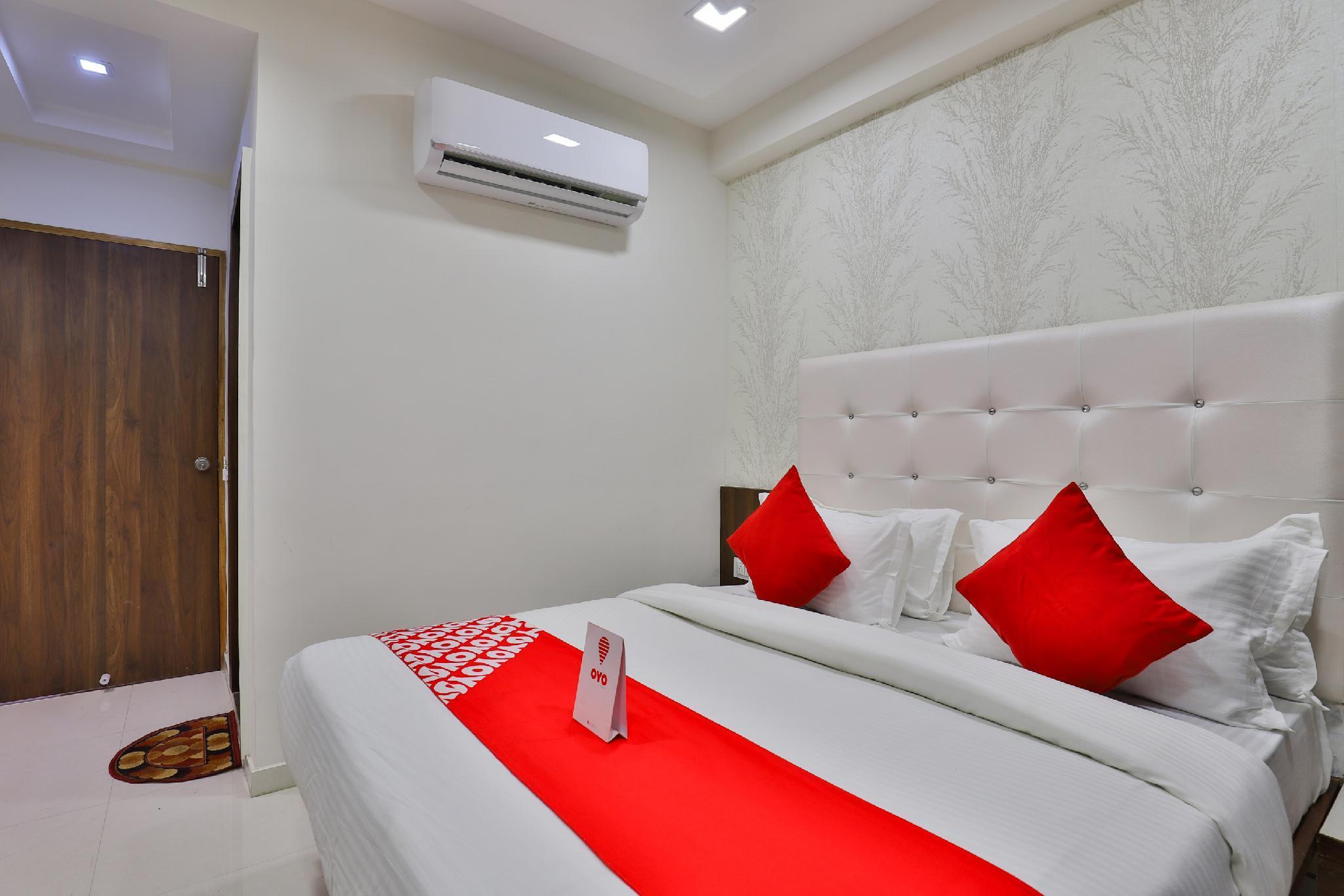 OYO 18485 Hotel Lincoln, Gandhinagar