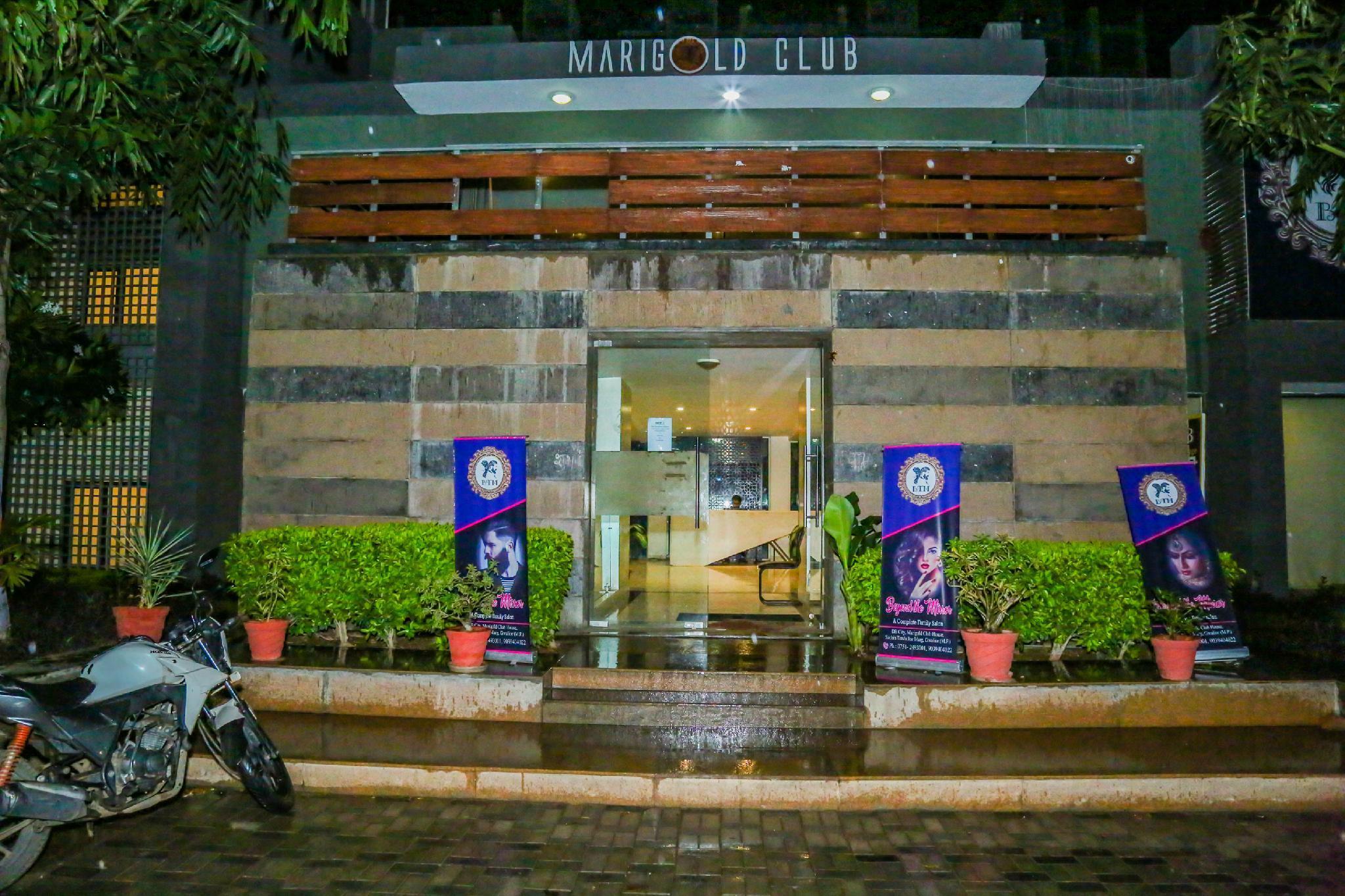 OYO 3823 Marigold Club, Gwalior