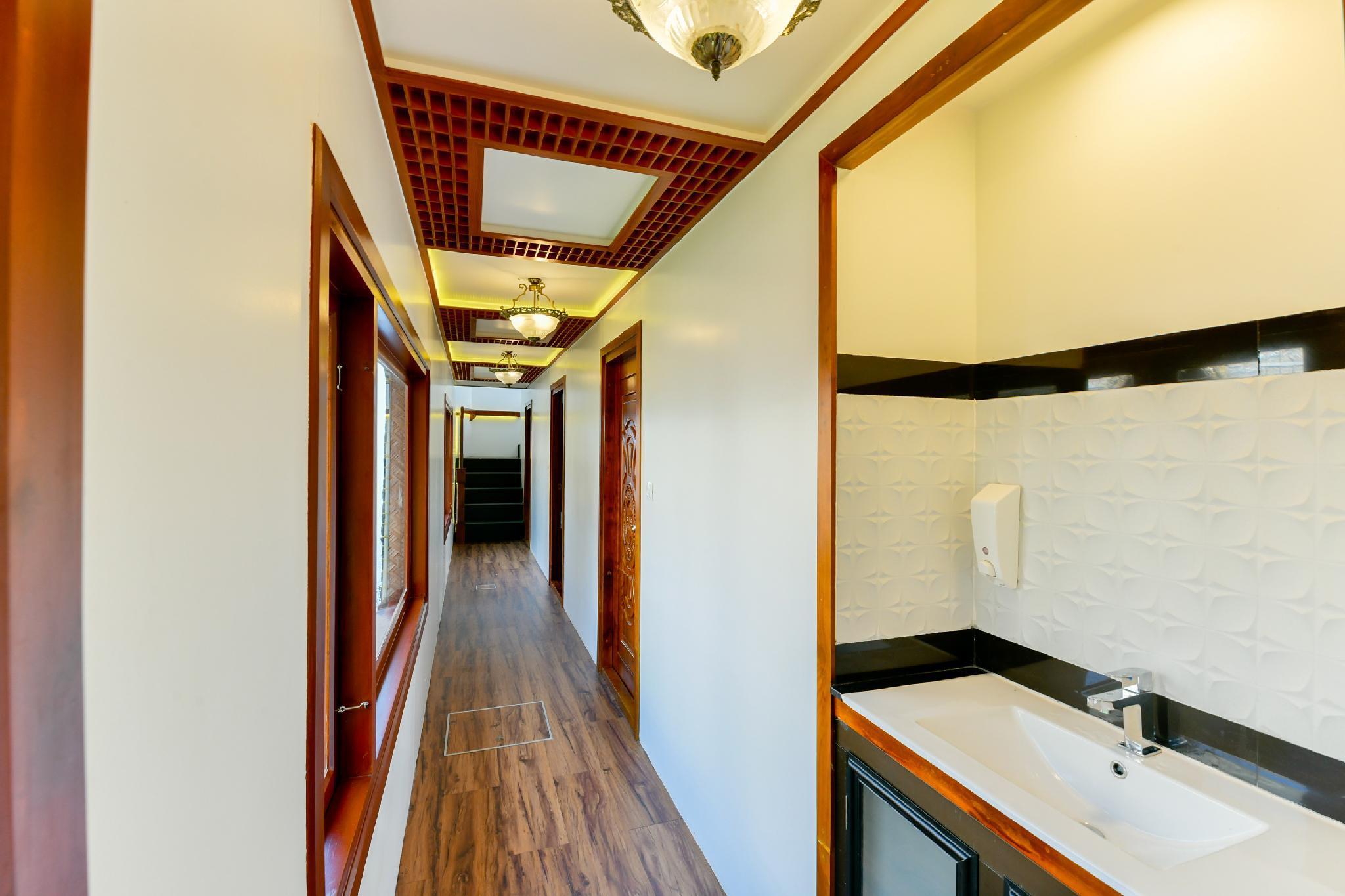 OYO 24463 Indigo Luxury 4bhk, Alappuzha