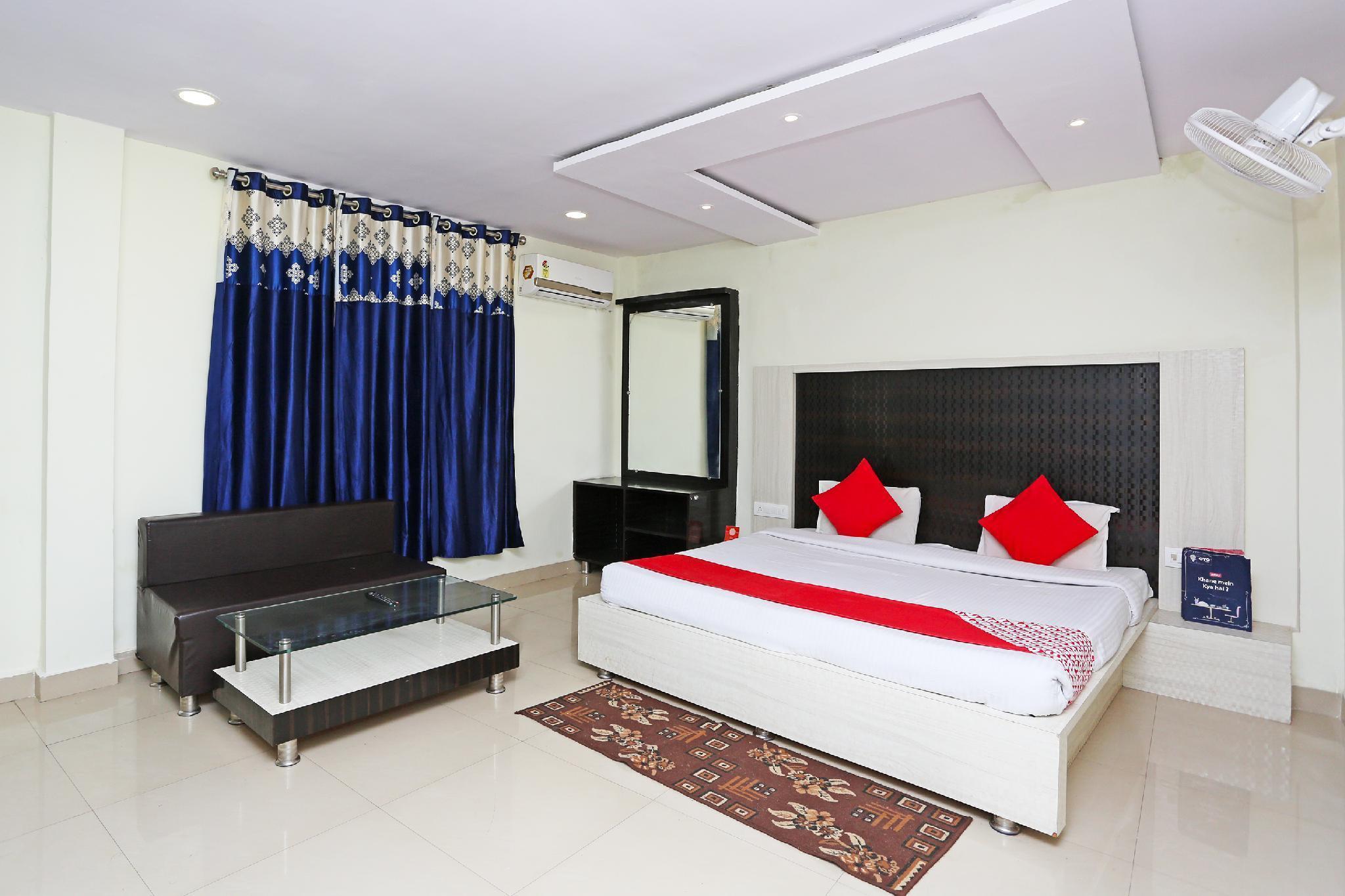 OYO 28210 Hotel Payal
