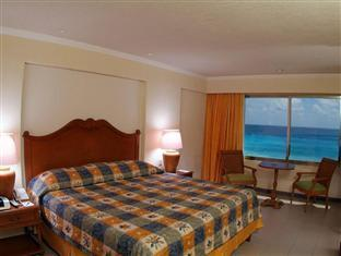 Best Price on Royal Solaris Cancun Resort Marina & Spa All Inclusive in Cancun + Reviews!
