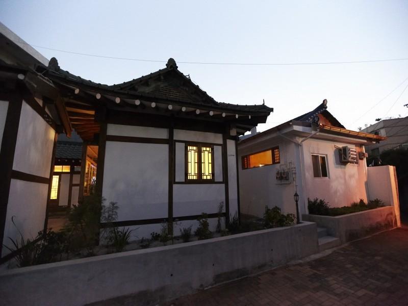 Pann Guesthouse, Buk