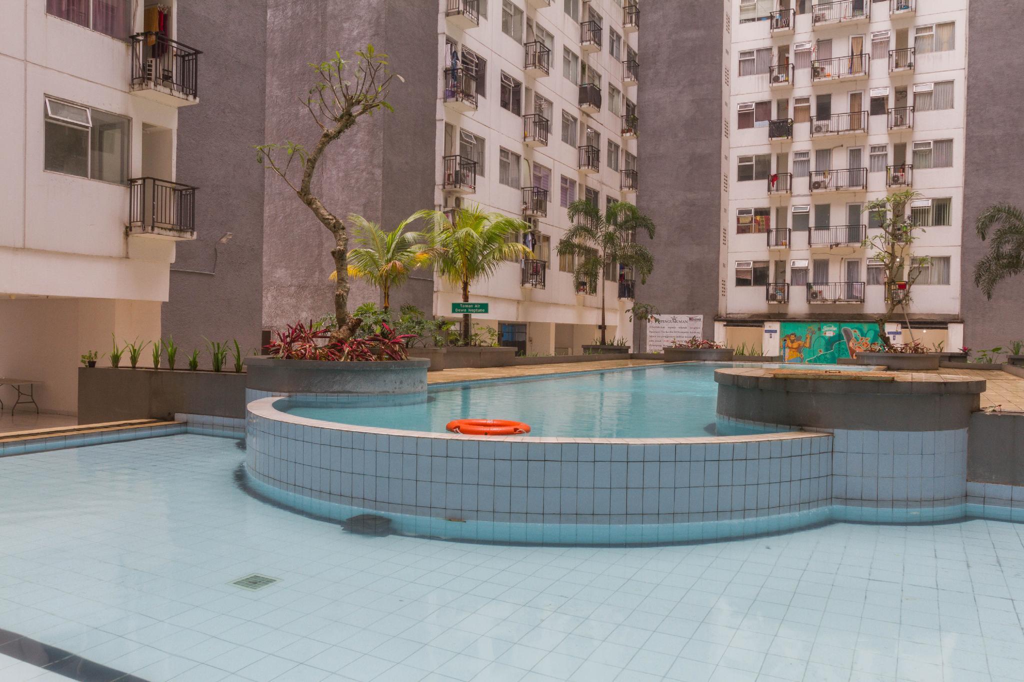 RedDoorz Apartment @ Jarrdin Cihampelas