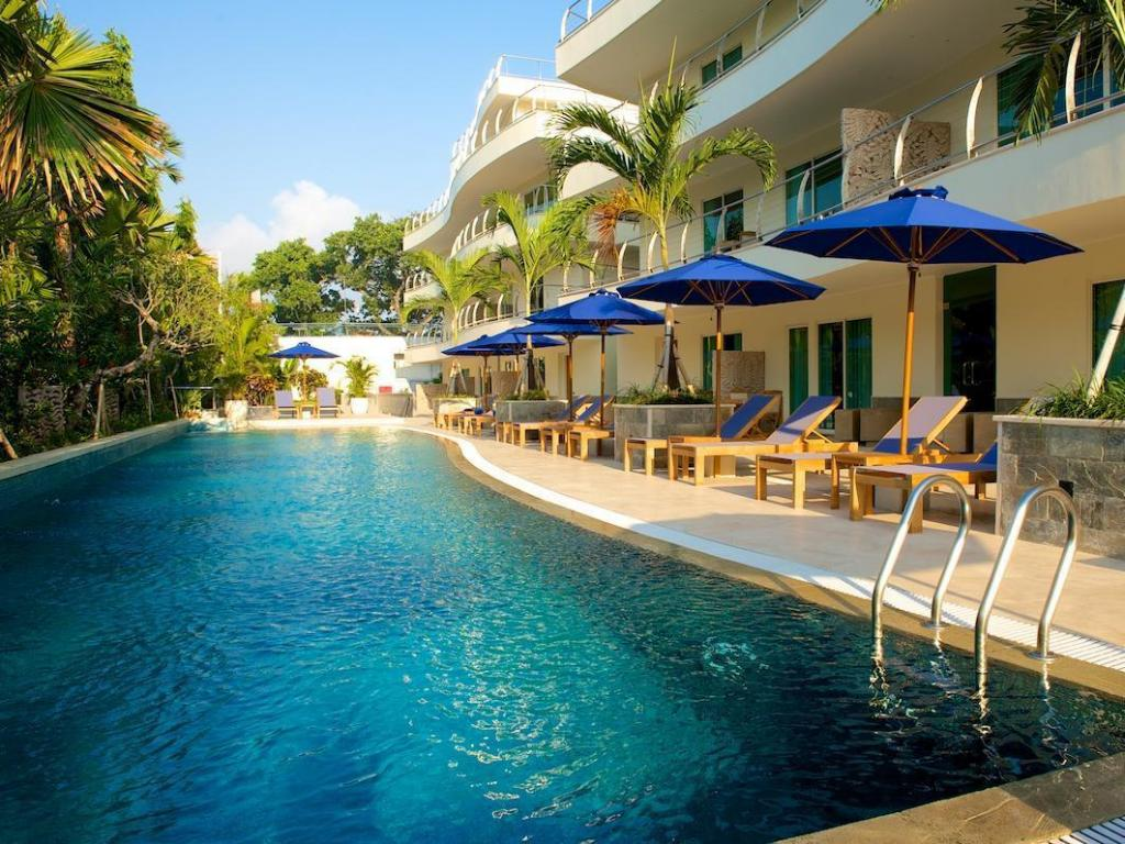 Best price on seaside suites seminyak bali in bali reviews for Seminyak hotels