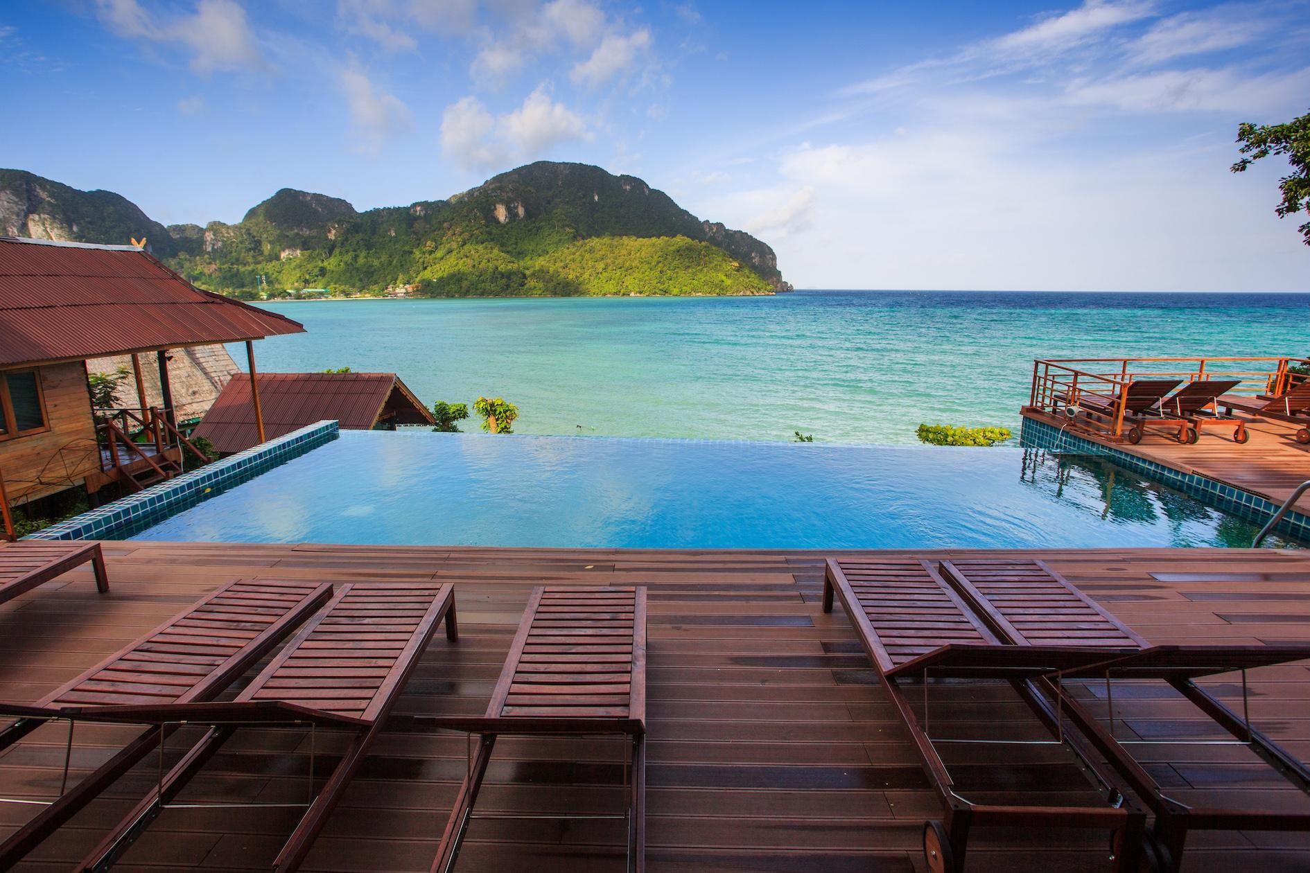the cobble beach hotel