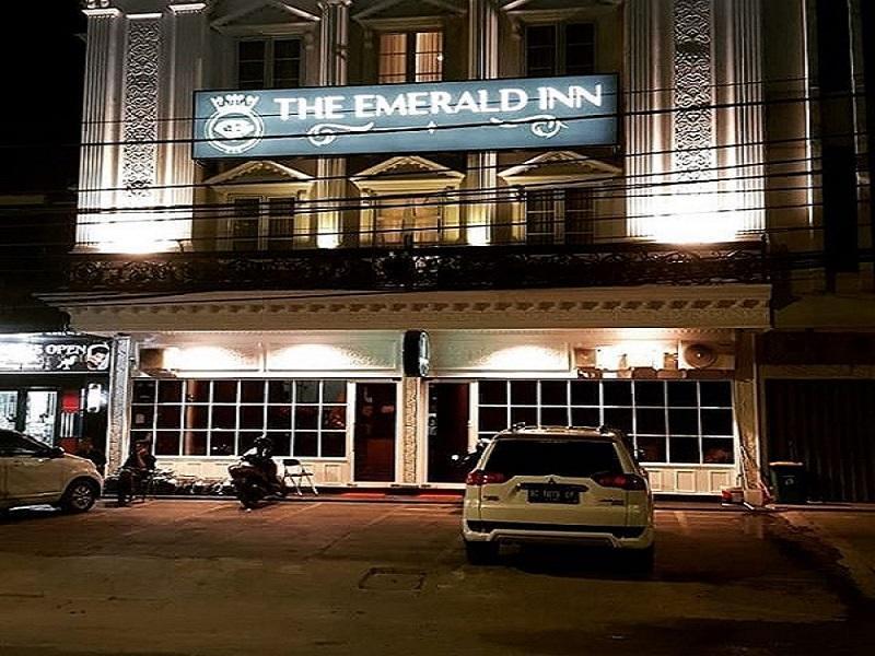 THE EMERALD INN