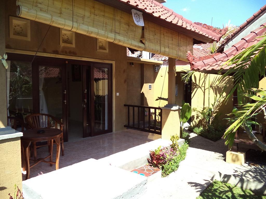 Bali Relaxs Homestay and Cafe, Karangasem