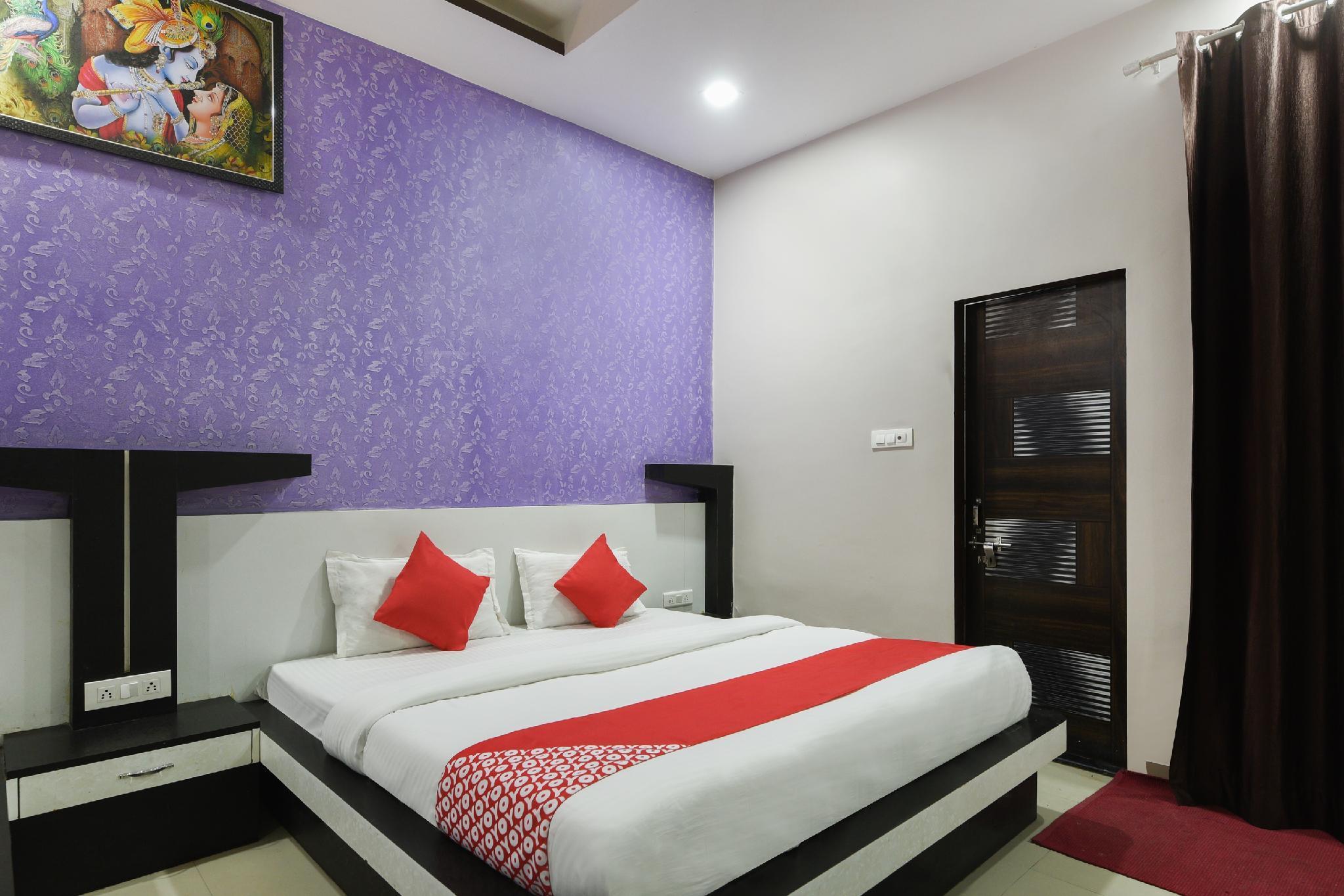 OYO 29856 Hotel Om Palace, Sikar