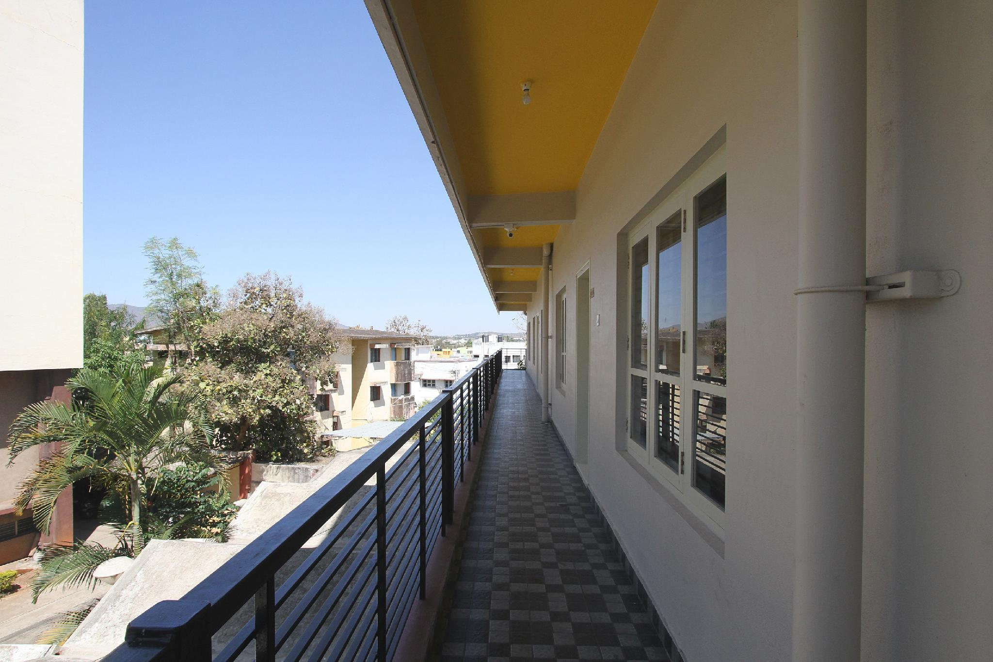 OYO 28309 Maasthi Towers, Chikmagalur