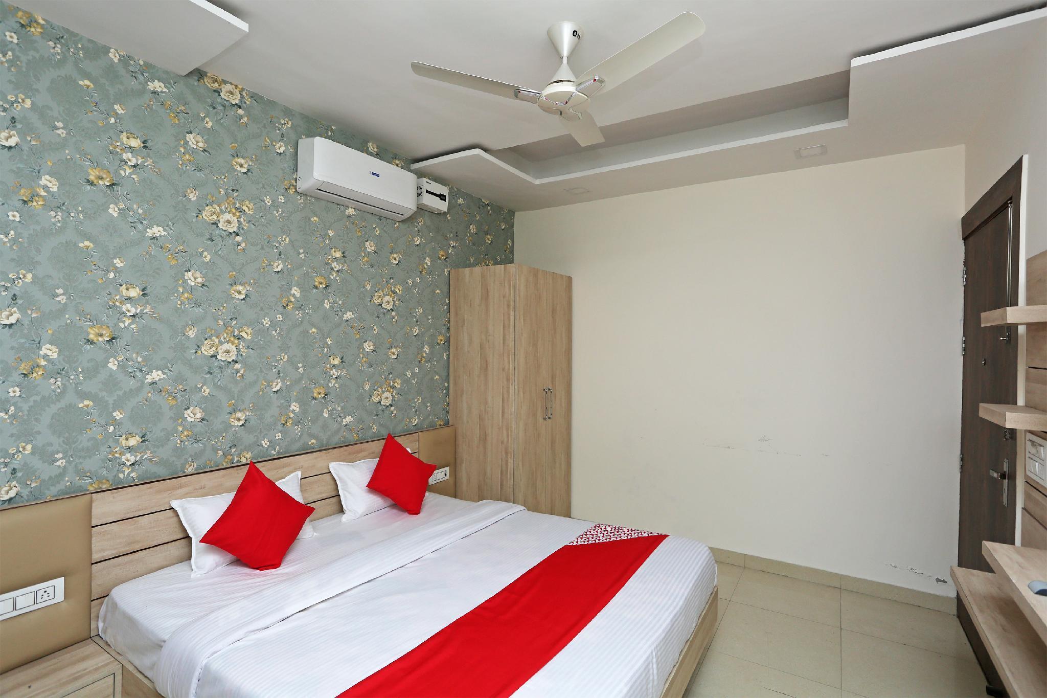 OYO 28718 Hotel Vyom Vilas, Ambala